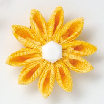 Clover Kanzashi Flower Maker - [8492] Gathered Petals Extra Small - Image 2