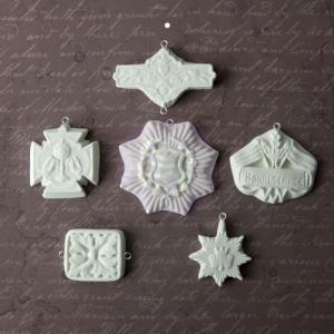 Relics and Artifacts Archival Cast Medallions [941604]
